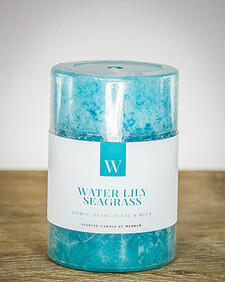 W Scented Candle 7cm x 7.5cm - Waterlily Seagrass