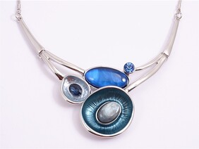 Necklace - Navy Open Shell