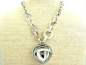 Necklace - Clear Glass Chunky Heart Necklace