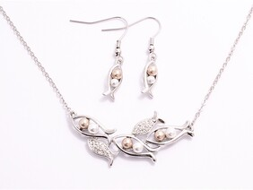 Necklace - Pearl Fish Set