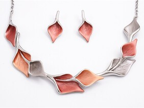 Necklace - Rosy & Brown Lily Set