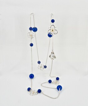 Necklace - A touch of blue with a bee and flowers