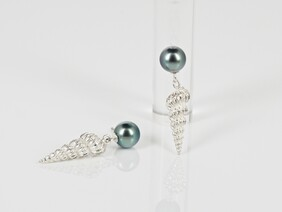 Tahitian pearls and stg silver shells