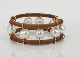 Bracelet - A cuff of Italian leather and South Sea pearls