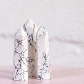 Howlite Towers - Small