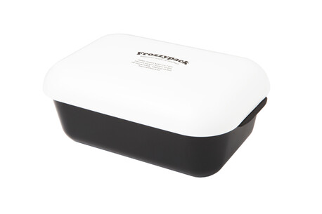 Lunch and Snack Box with integrated cooling