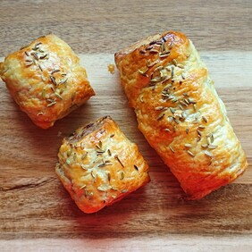 Pastry Savoury - Selection of mini pies, sausage rolls and spinach and feta rolls 15 pack