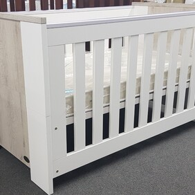 Poppy Roberts Arizona Cot/Bed ( pick up only) please contact us for a freight cost