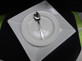 Side, Luncheon & Dinner Plates