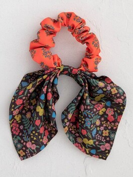 Natural Life Mixed Print Tie Scrunchie - Coral/Black