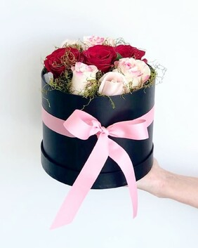 MIXED ROSES HAT BOXED