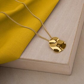 Republic Road - Marvel Necklace Gold Plate