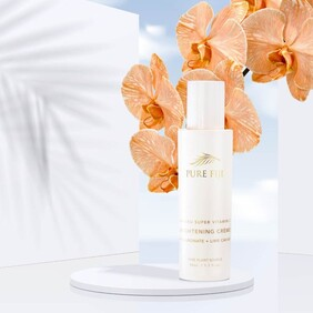 VITAMIN C BRIGHTENING CREME WITH HYALURONIC & LIME CAVIAR