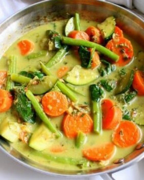 Thai Green Curry Vegetable Pie for two
