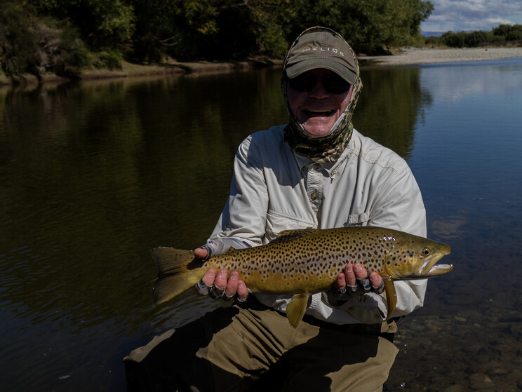 gin clear, fly fishing, NZ, New Zealand flyfishing, wild trout, brown trout, trophy trout. Todd Adolph NZ tourism, travel fluefiske flugfiske back country explore Queenstown, Otago, Southland Fiordland Wanaka