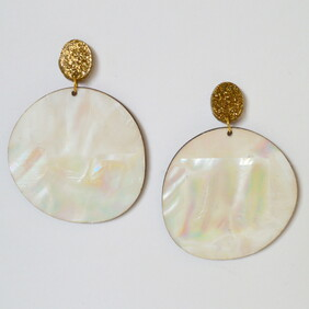 Daydream Believer Earrings - Natural Shell