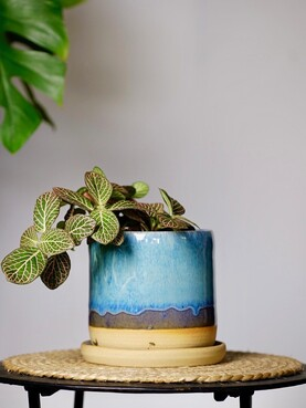 Hannah McKay Planter with saucer - Blue