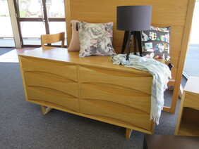 Chest of Drawers COD64