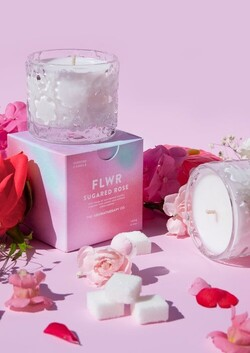 The aromatherapy co|FLWR candle-sugared rose