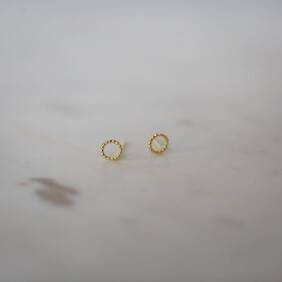 SOPHIE dotty oh stud earrings - gold plated