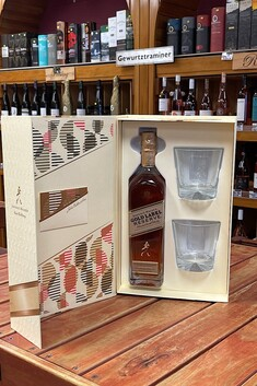JOHNNIE WALKER GOLD LABEL RESERVE 40% 700ML GIFT SET WITH 2 X GLASSES