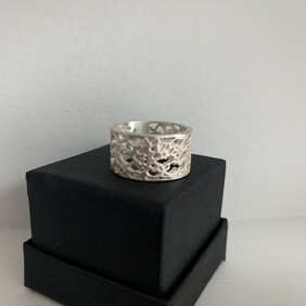 Lace Detail Band