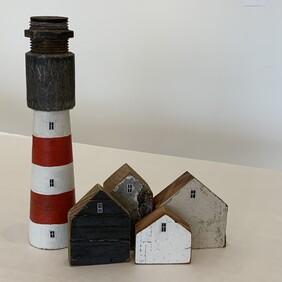 Tiny Houses with Lighthouse (no bulb)