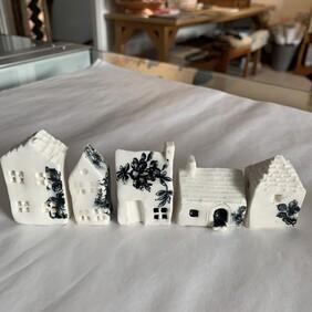 Ceramic Tiny House Set - Black
