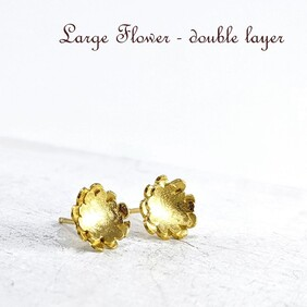 Studs - Briar Flower Large Double