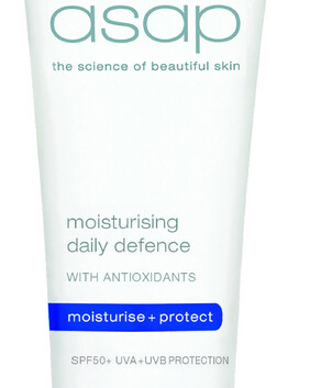 Moisturising Daily Defence SPF50 with antioxidants